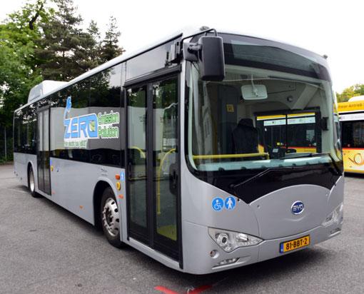 Amsterdams flygplats Schipol köper 35 batteribussar från kinesiska BYD. Foto: Ulo Maasing.