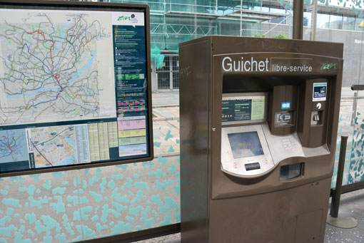 """Trots att bara fem procent reser på enkelbiljetter finns det biljettautomater på varje station. """"Det ska vara enkelt att resa"""", är mottot. Foto: Ulo Maasing."""