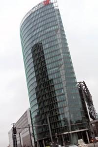 Arrivaägaren Deutsche Bahns huvudkontor vid Potsdamer Platz i Berlin. Foto: Ulo Maasing.