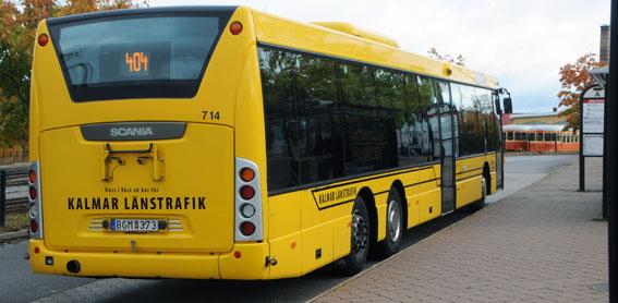 Genom att utbilda bussförare och tågvärdar i kundbemötande vill Kalmar Länstrafik, KLT, putsa sitt varumärke. Foto: Ulo Maasing.