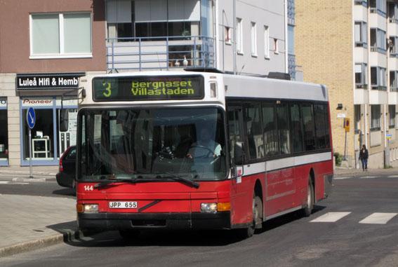 Luleå Lokaltrafik har låtit ungdomar inreda bussar. Bild: Ulo MAasing.