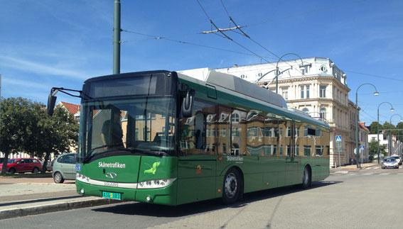 Landskronas femte trådbuss innan leveransen. Bussen testades först i den tjeckiska staden Pilsen. Elutrustningen kommer nämligen från tjeckiska Skoda Electric.