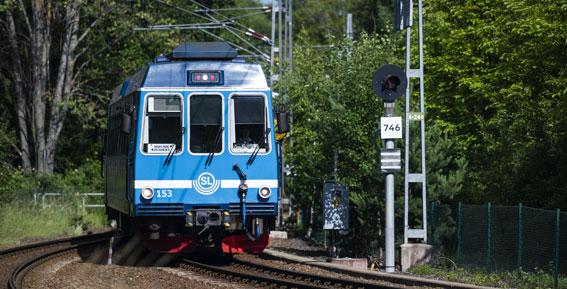 När Roslagsbanan, som körs av Arriva, stoppades ställde företaget inte upp med några ersättningsbussar. Företaget skyller på vagnsbrist. Foto: Lasse Burell/Arriva.