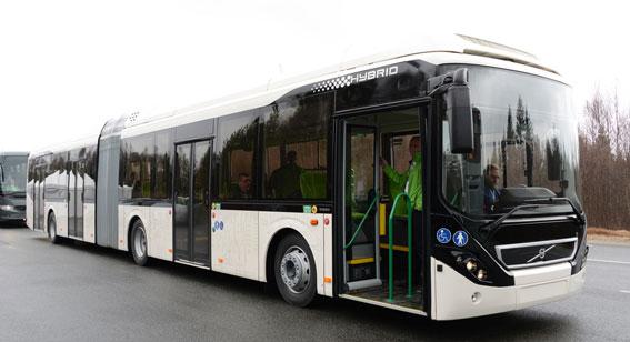 Volvo 7900 hybridledbuss. Bussen premiärvisades för pressen i våras och visas för en stor publik för första gången på Busworld i Kortrijk i oktober. Foto: Ulo Maasing.