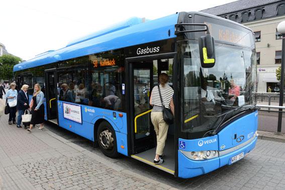 Ett fördubblat resande med kollektivtrafiken bidrar bara i begränsad utsträckning till klimatmålen. Dessutom tappar kollektivtrafiken marknadsandelar, tvärt emot branschens egna ambitioner att fördubbla även dessa, skriver VTI-forskarna. Foto: Ulo Maasing.