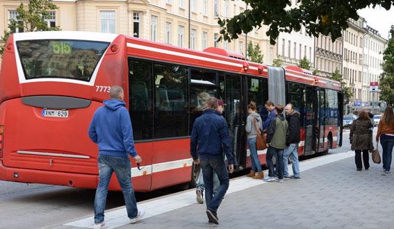 En buss på linje SL:s liinje 515 sedan Arriva tagit över trafiken. Foto: Ulo Maasing