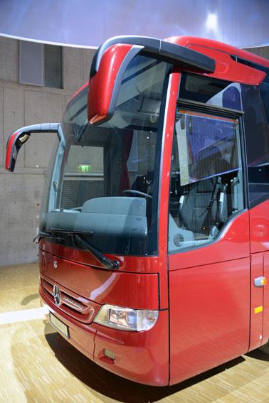Mercedes-Benz Tourismo K känns trots sin längd på 10,3 meter som en fullstor buss. Foto: Ulo Maasing.