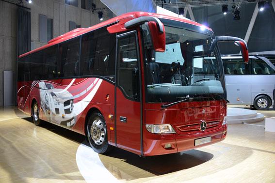"""Mercedes-Benz Tourismo K är en """"fullstor"""" midibuss i Tourismoserien som premiärvisades på onsdagen. Foto: Ulo Maasing."""
