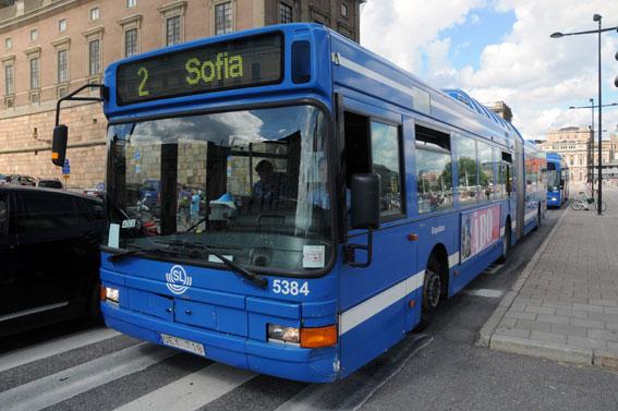 Stombussar i Stockholm med låtsaskontrollerade resenärer. Foto: Ulo Maasing.