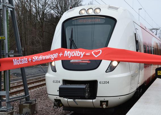 Häromåret invigdes trafik med Östgötapendeln till Mjölbu och Motala. Snart är det slutkört för Arriva sedan företaget än en gång räknat bort sig. Foto: Malin Lindström.