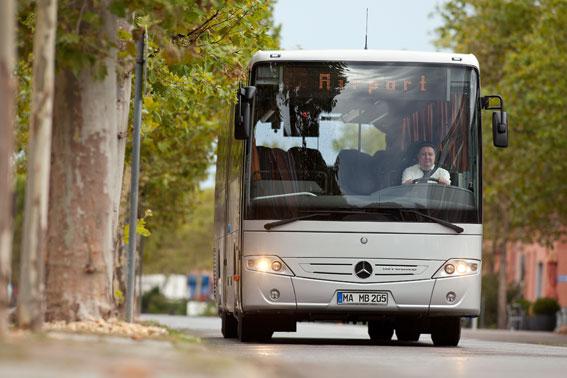 En Mercedes-Benz Intouro på väg. Daimler Buses redovisr ett mycket starkt tredje kvartl. Foto: Daimler Buses.