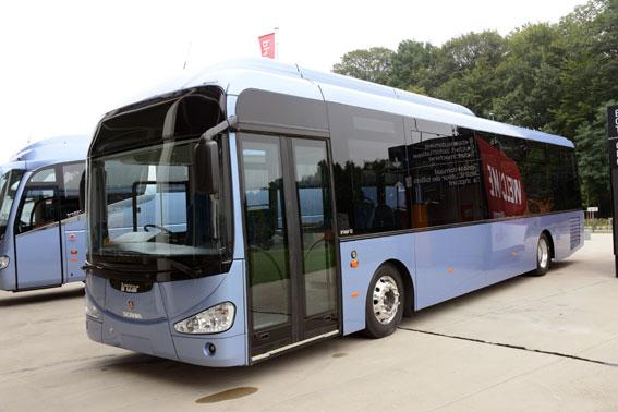 Irizar visar sin nya stadsbuss i3, här på Scaniachassi. Foto: Ulo Maasing.