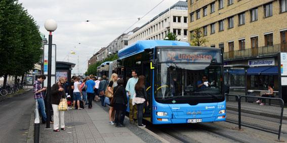 Även i fjol ökade kostnaderna för kollektivtrafiken mycket snabbare än resandet. Men kostnadsökningarna är svåra att förklara, annat än delvis. Foto: Ulo Maasing.