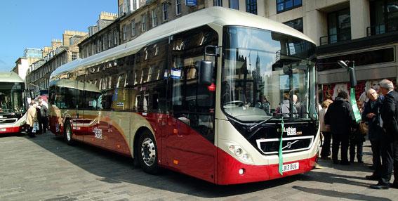 Edinburghs Lothian Buses har sedan tidigare tio Volvohybrider i trafik. Nu har man beställt ytterligare 20. Foto: Volvo Bussar.