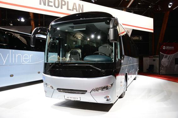 Neoplan Jetliner har fått Euro 6-motor och lättare stolar. Foto: Ulo Maasing.