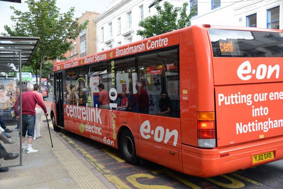 Den engelska staden Nottingham gör en storsatsning på eldrivna bussar i centrum. Foto: Ulo Maasing.