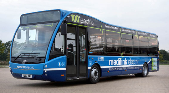 Den brittiska busstillverkaren Optare ska inom tre år fördubbla produktionen. Elbussar är ett viktigt segment för företaget. Den här 10,7 meter långa Optare Versa ska gå till staden Nottingham som storsatsar på elbussar. Foto: Optare.
