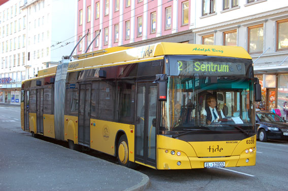 En av trådbussarna i Bergen, Norge. Foto: Alasdair McLellan/Wikimedia Commons.