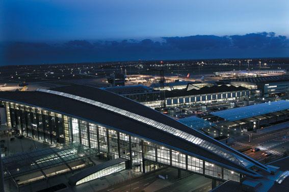 Terminal 3 på Kastrup. Nu vill flygplatsen införa busstullar. Foto: Copenhagen Airport.