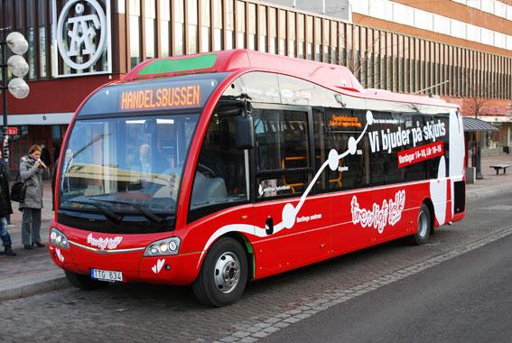 Borlänge har fått en gratisbuss för shoppingsugna. Bussen är en Optare Solo SR Hybrid.