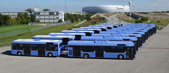 München har sedan i början av oktober haft tio Solaris Urbino med släpvagn i trafik. Nu har man beställt ytterligare 12 släp och 30 bussar med släpvagnskoppling. Foto: MVG.