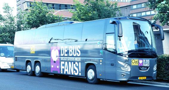 Det stora holländska bussreseföretaget Oad har gått i konkurs. Företaget körde bland mycket annat holländska fotbollsfans till matcher i utlandet. Foto lic via Wikimedia Commons.
