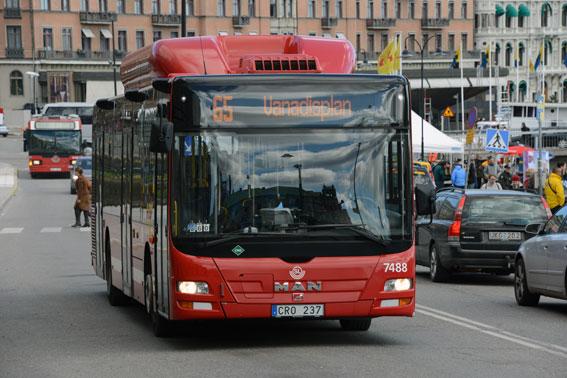 Nu är det klart vem som får köra innerstads- och Lidingöbussarna i Stockholm från nästa sommar. Foto: Ulo Maasing.