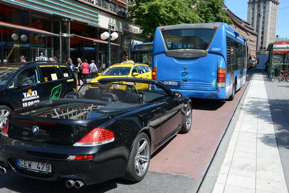 Det är trångt på Stockholms gator. Foto: Ulo Maasing.