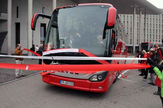 I april rullade Avanti Reisens buss iväg från Freiburg i södra Tyskland med bandklippning, pomp och ståt. Foto: Daimler Buses.
