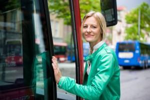 Oppositionslandstingsrådet Erika Ullberg(S): Det går att göra busstrafiken effektivare. Bättre än att satsa på dyra spårvägar.