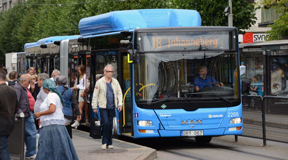 Gasbuss i Göteborg. Allt mer förnybara drivmedel används i den svenska kollektivtrafiken. Foto: Ulo Maasing.