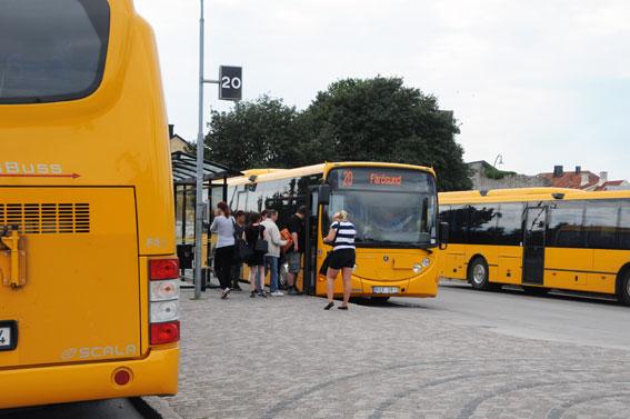 Nya biljetter ska göra det attraktivare för besökare att ta bussen på Gotland. Foto: Ulo Maasing.