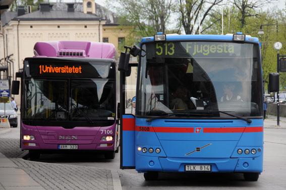Det ska bli lättare för personer som inte kan svenska att åka buss i Örebro län. Foto: Ulo Maasing.