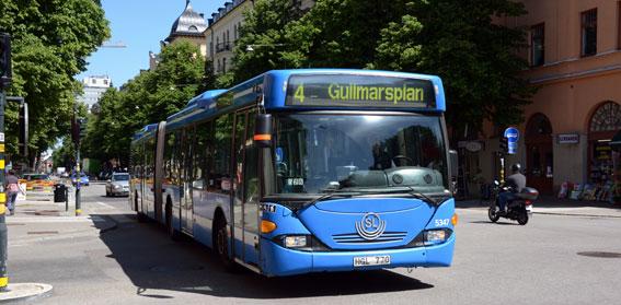 Förbättrad tillgänglighet och färre sittplatser gör att bussresandet inte verkar ha ökat lika mycket som kostnaderna, hävdar Christer G Wennerholm(M). Foto: Ulo Maasing.