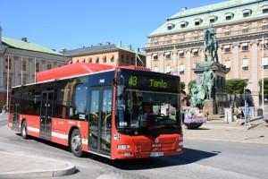Keolis vill förändra och förenkla linjenätet i Stockholms innerstad. De röda innerstadsbussarna är anonyma för många resenärer, anser man.