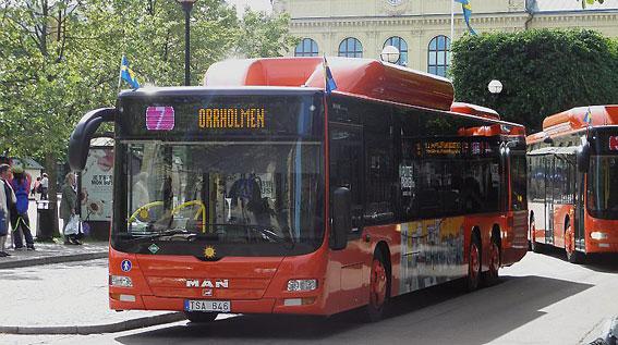 Bussen får draghjälp av cykeln i Karlstad. Foto: Zippystyle/Wikimedia Commons.