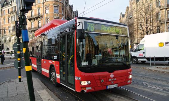 Keolisbuss i Stockholm. Hur sömnig är föraren? Foto: Ulo Maasing.