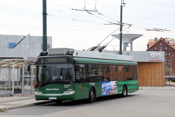 Landskrona är sämst i Skåne när det gäller tillgänglighetsanpassning av busshållplatser. I år ska trådbusslinjens hållplatser göras tillgängliga för funktionsnedsatta. Foto: Ulo Maasing.