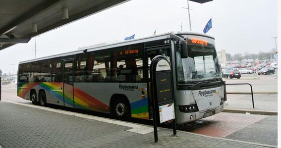 Vi hotar inte flygbussarna, skriver tre politiker i kollektivtrafiknämnden i Västra Götaland. Foto: Ulo Maasing.