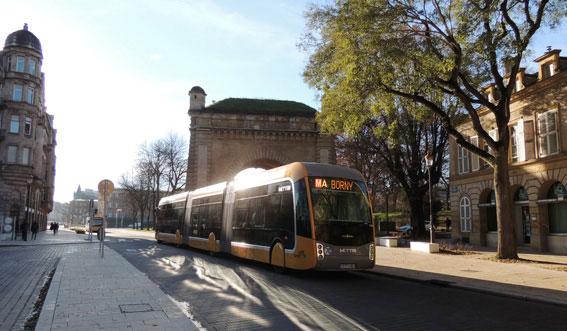 Allt fler städer satsar på BRT eller BRT-liknande bussystem som här Mettis i den franska staden Metz. Foto:Abxbay/wikimedia commons.