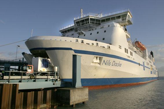 TT-Lines Nils Dacke har fått besättningen utbytt. Seko sjöfolk protesterar. Foto: TT-Line/Christiane Schröder.