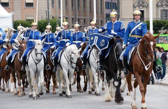 Populär turistattraktion i Stockholm – den beridna högvakten. Foto: Ulo Maasing.