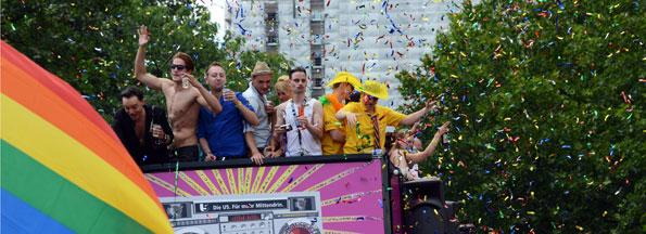 Berlin är en av världens ledande evenemangsstäder med hundratals evenemang och kongresser varje dag. Stadens prideparad, Christopher Street Day Parade, äger rum på midsommarafton med över en halv miljon deltagare i paraden. Foto: Ulo Maasing.