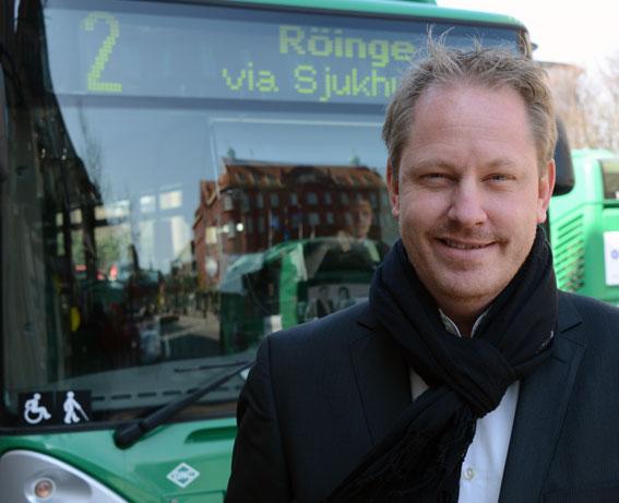 Skånetrafikens trafikdirektör Henrik Dagnäs: Efter ett antal år med negativt ekonomiskt resultat för Skånetrafiken har detta nu vänts till ett positivt resultat. Detta är mycket viktigt och ger en stabil plattform för en fortsatt utveckling av kollektivtrafiken. Men punktligheten måste bli bättre. Foto: Ulo Maasing.