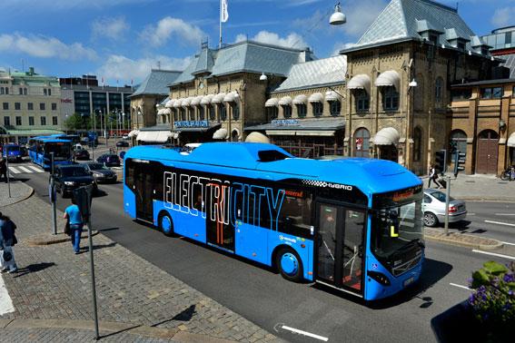 Göteborgs satsning på elektrifierad busstrafik väcker ett internationellt intresse. Foto: Volvo Bussar.