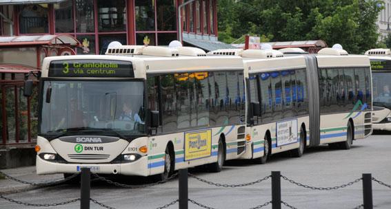 Fem av sex bussföretag som kör för Din Tur i Västernorrland har fått kontantstoppet hävt. För det sjätte, Keolis, kvarstår stoppet. Foto: Ulo Maasing.