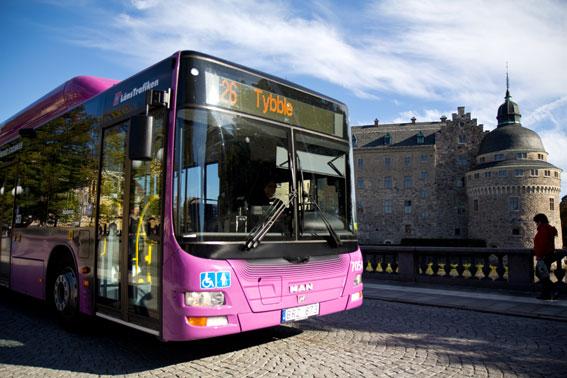 Den 16 februari läggs stadsbusslinjerna i Örebro om. Nästa steg kan bli superbussar. Foto: Erik Lundell.