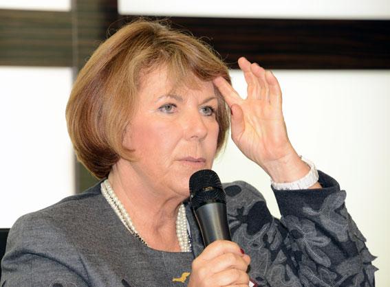 Solaris´ vd Solange Olszewska: Vi tror mycket på elbussens framtid. Foto: Ulo Maasing.