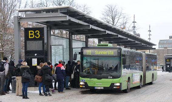6000 protesterade mot planerade höjningar av busskortet i Uppsala. Foto: Ulo Maasing.