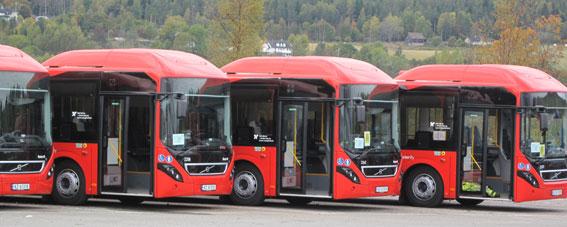 Volvo Bussar satsar allt mer på en elektrifiering av busstrafiken. Här hybridbussar till Nettbuss i Norge. Foto: Volvo Bussar.